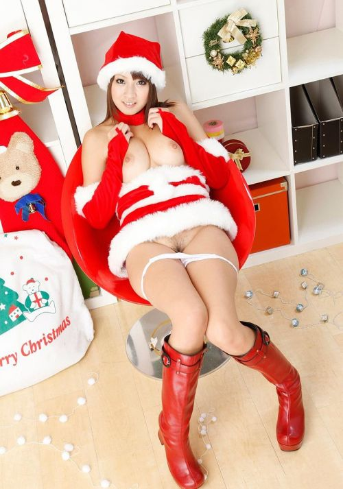【画像】クリスマスにサンタコスプレして下半身ヌードの女の子エロ過ぎwww 45枚 No.42