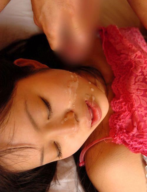 服を着たままの女の子の顔に顔射しちゃうエロ画像まとめ 39枚 No.32