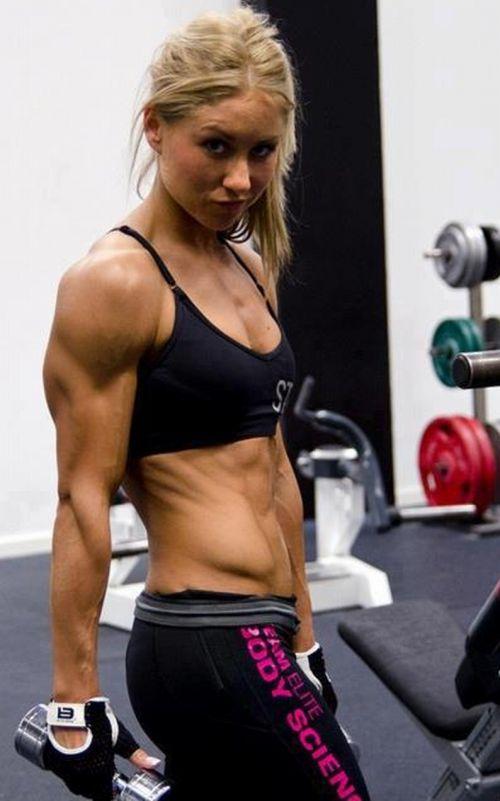 【画像】筋肉モリモリのガチマッチョ外国人女性の腹筋エロ過ぎ 33枚 No.3