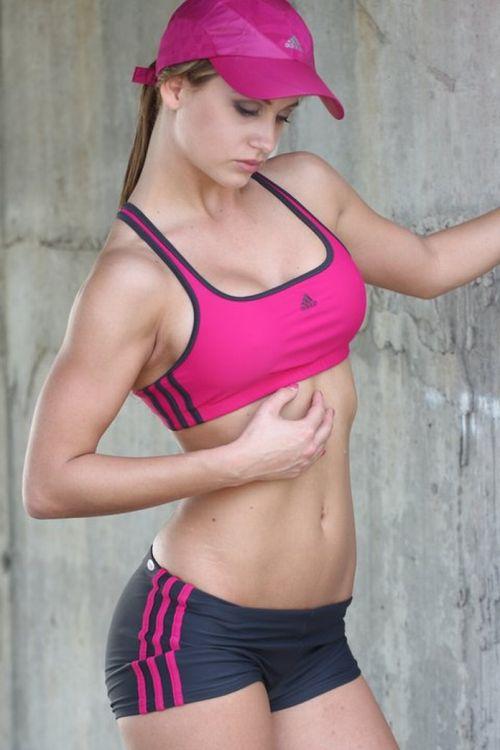 【画像】筋肉モリモリのガチマッチョ外国人女性の腹筋エロ過ぎ 33枚 No.7