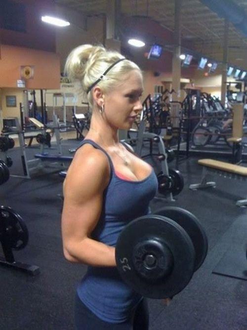 【画像】筋肉モリモリのガチマッチョ外国人女性の腹筋エロ過ぎ 33枚 No.10