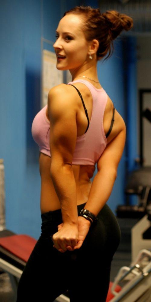 【画像】筋肉モリモリのガチマッチョ外国人女性の腹筋エロ過ぎ 33枚 No.11