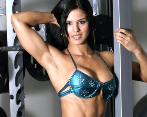 【画像】筋肉モリモリのガチマッチョ外国人女性の腹筋エロ過ぎ 33枚 No.17