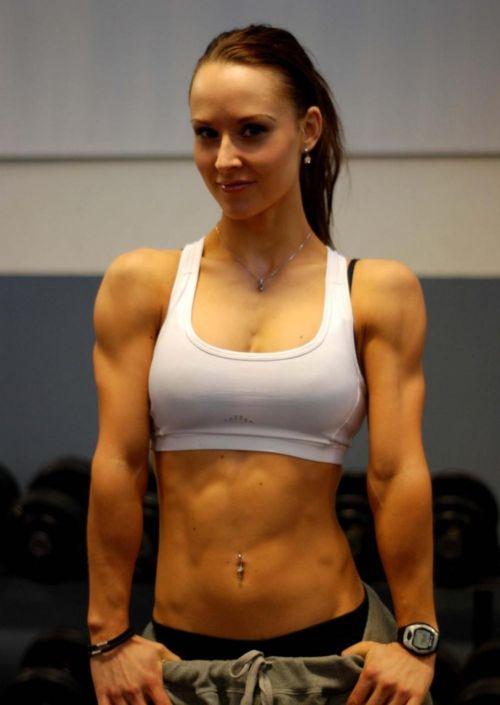 【画像】筋肉モリモリのガチマッチョ外国人女性の腹筋エロ過ぎ 33枚 No.18