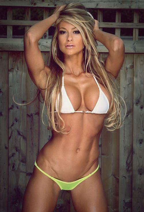 【画像】筋肉モリモリのガチマッチョ外国人女性の腹筋エロ過ぎ 33枚 No.30