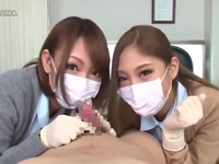医療マスクの看護師ギャルたちに包茎を剥かれ…