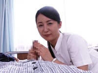 「いやらしいお汁出てますよ」清楚っぽいのにエッチな言葉と手コキで患者を責めるナース 岩佐あゆみ