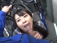 自転車置き場で激カワJKに突然しゃぶり抜かれる!
