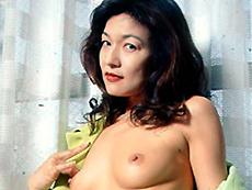 【無修正】むっつりスレンダー四十路妻 第一話 鮫島レオ