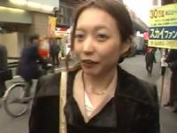 無料熟女人妻動画-エロ熟女:[人妻ナンパ] 清楚な美人妻。ナンパ3Pセックス!未経験の快感に乱れ逝きまくる寝取られ