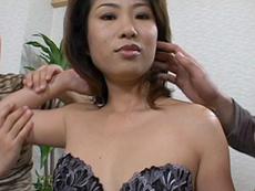 【無修正】黒乳首三十路母のアナル