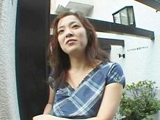 【無修正】露出好きな巨乳淫乱妻・友崎亜希