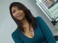 エロ動画アンテナ:超色っぽいフェロモンむんむんな三十路の美熟女奥様が他人棒との不倫Hで乱れちゃいます!