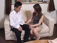 熟れすぎてごめん:【無修正】河村美樹 淫乱妻、セールスマンを試食。受験生の息抜きに一役