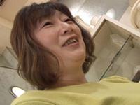 となりのおくさま:【無修正】恥じらう巨乳豊満四十路 草笛緑
