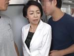 ダイスキ!人妻熟女動画 : 私、五十路も半ばなんですけど、電車でお尻と胸を触られてしまい・・・