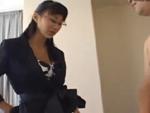 熟女動画だよ : 【無修正】センズリ鑑賞する上から目線の人妻が手コキで
