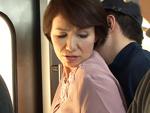 ダイスキ!人妻熟女動画 : 電車で痴●に遭い、快感を覚えまた触られたいために電車に乗る六十路妻 内原美智子