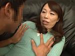 ダイスキ!人妻熟女動画 : ガリガリで貧乳黒乳首の五十路母が熟女キラーの息子の友人に寝取られる! 山崎澄代