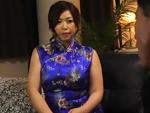 ダイスキ!人妻熟女動画 : チャイナドレスを身に纏った四十路の熟女ママさんが癒やしてくれる秘密パブ 加山なつこ