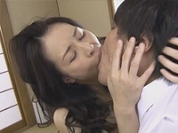熟女ストレート:四十路母の熟れた蜜壷は息子によって再び夜ひらく! 井上綾子