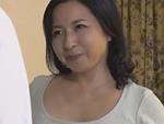 熟女ストレート : 四十路(48歳)ぽっちゃり巨乳の友母に誘惑されてSEXしまくった僕… 倉本雪音