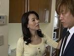 熟女ストレート : 我が子と恋人同士のように舌を絡め合い性器を貪り合う四十路母! 井上綾子