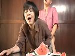 ダイスキ!人妻熟女動画 : 亡くなった旦那のお兄さんに遺影の前で犯されてしまう四十路未亡人 円城ひとみ