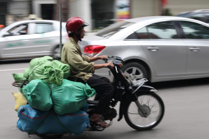 大荷物のバイク