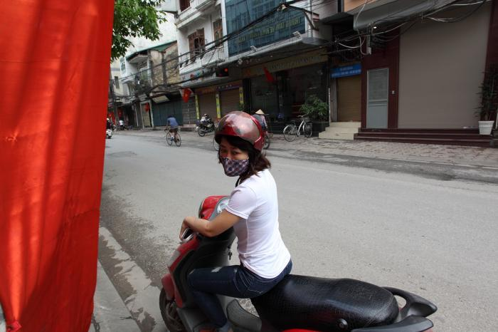 バイクのお姉さん