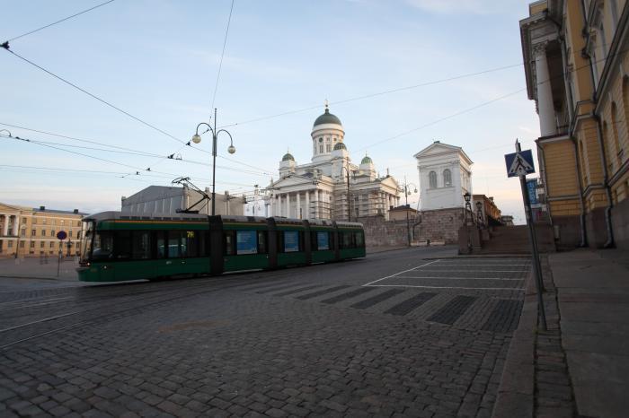 大聖堂と路面電車