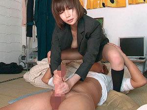 【大橋優子】旦那には内緒で同僚の男を顔面騎乗手コキで射精させる痴女人妻