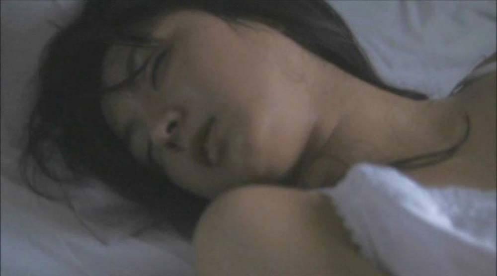 満島ひかりの乳首ポロリしたヌードエロ画像や胸チラ
