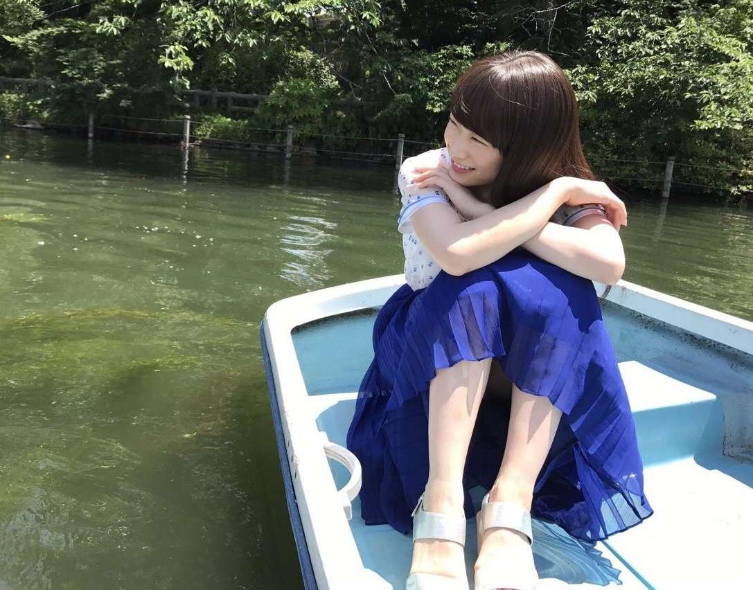 秋元真夏のエロ画像