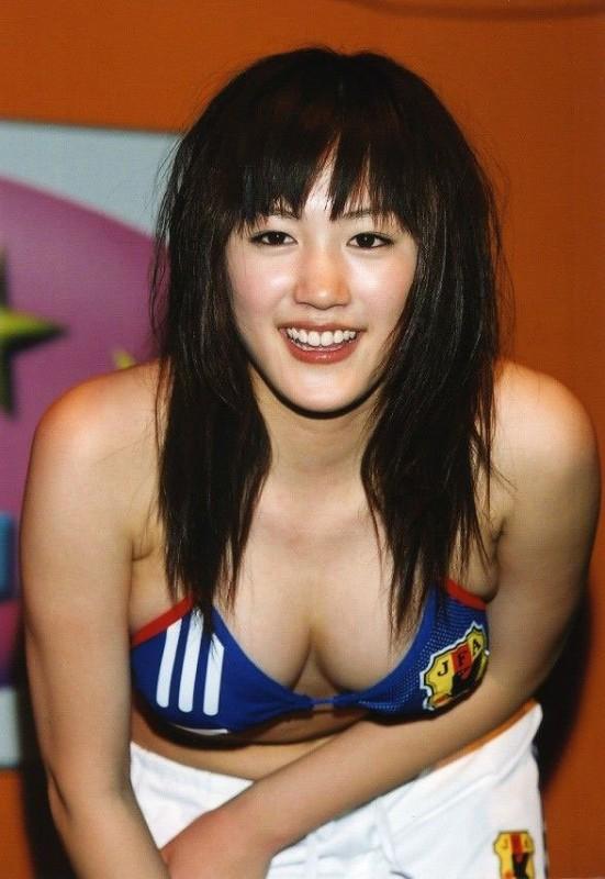 【エロ画像86枚】綾瀬はるかのエロすぎるパンチラやおっぱい、乳首も下着も露出したセクシー水着姿合わせて総まとめ