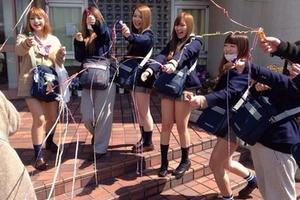 女子高の文化祭がなんだかすげーエロいんだがwwwwコスプレもイキすぎてるwwww