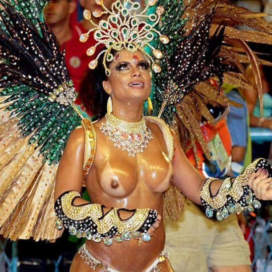 【厳選エロ画像103枚】本場ブラジルリオのサンバカーニバルておっぱいも乳首もアソコも丸出し「全裸ってキチガイだろwwww」
