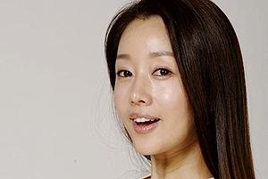 【厳選エロ画像26枚】ユンソナのエロパンチラやおっぱいチラリSP「韓国女優で成功したフェロモン女王」【永久保存版】
