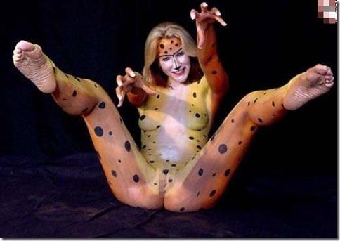 じっくり舐めるように見たいオマンコボディペイントのエロ動画像:その215