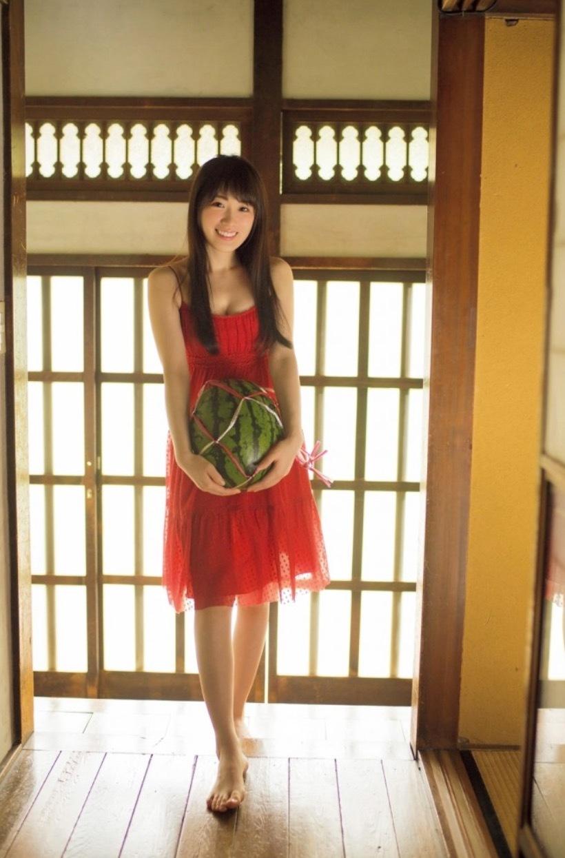 乃木坂46,高山一実,かわいい,画像,スイカ,ドレス,赤,かずみん,20170629