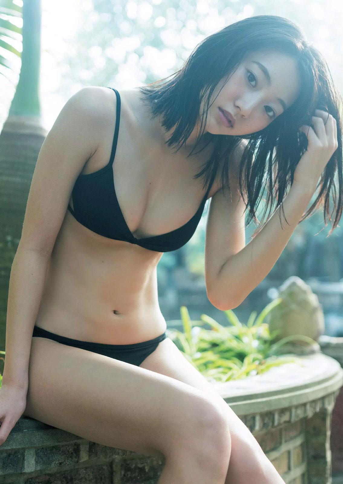 武田玲奈 スレンダー水着おっぱいアオザイ&チャイナ服セクシー画像