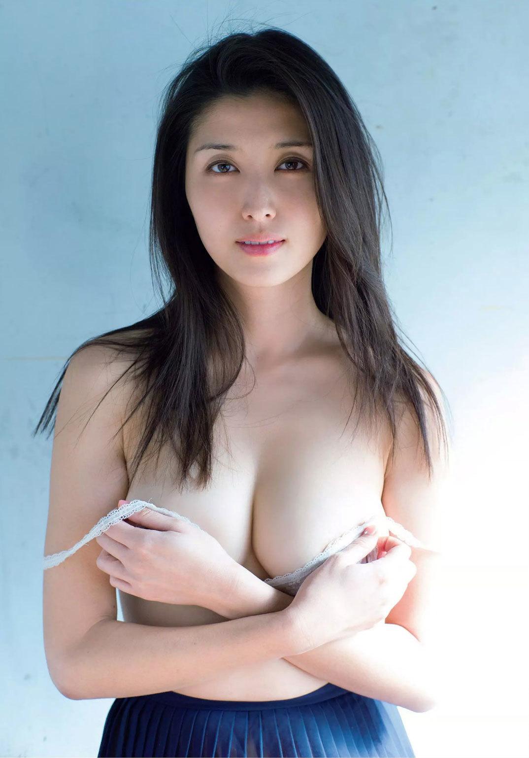 橋本マナミ 妖艶ストリッパー愛人ノーブラおっぱいセクシー画像