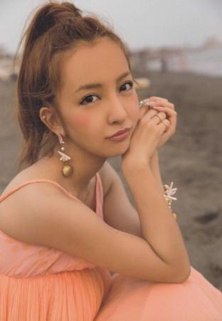板野友美の画像013