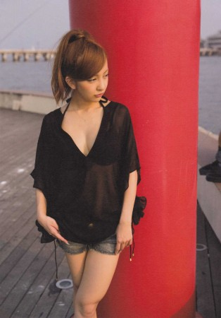 板野友美の画像016