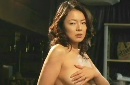 【荒井美恵子】快感がじわじわと広がっていく濡れ場