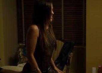 ブリアンヌ・ラカノ ベッドの上で小刻みに腰を振り始める濡れ場