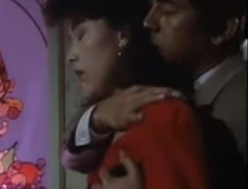 【沢田亜矢子】後ろからおっぱいをタッチされた濡れ場