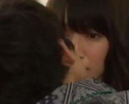 【吉岡里帆】キスを求められるラブシーン