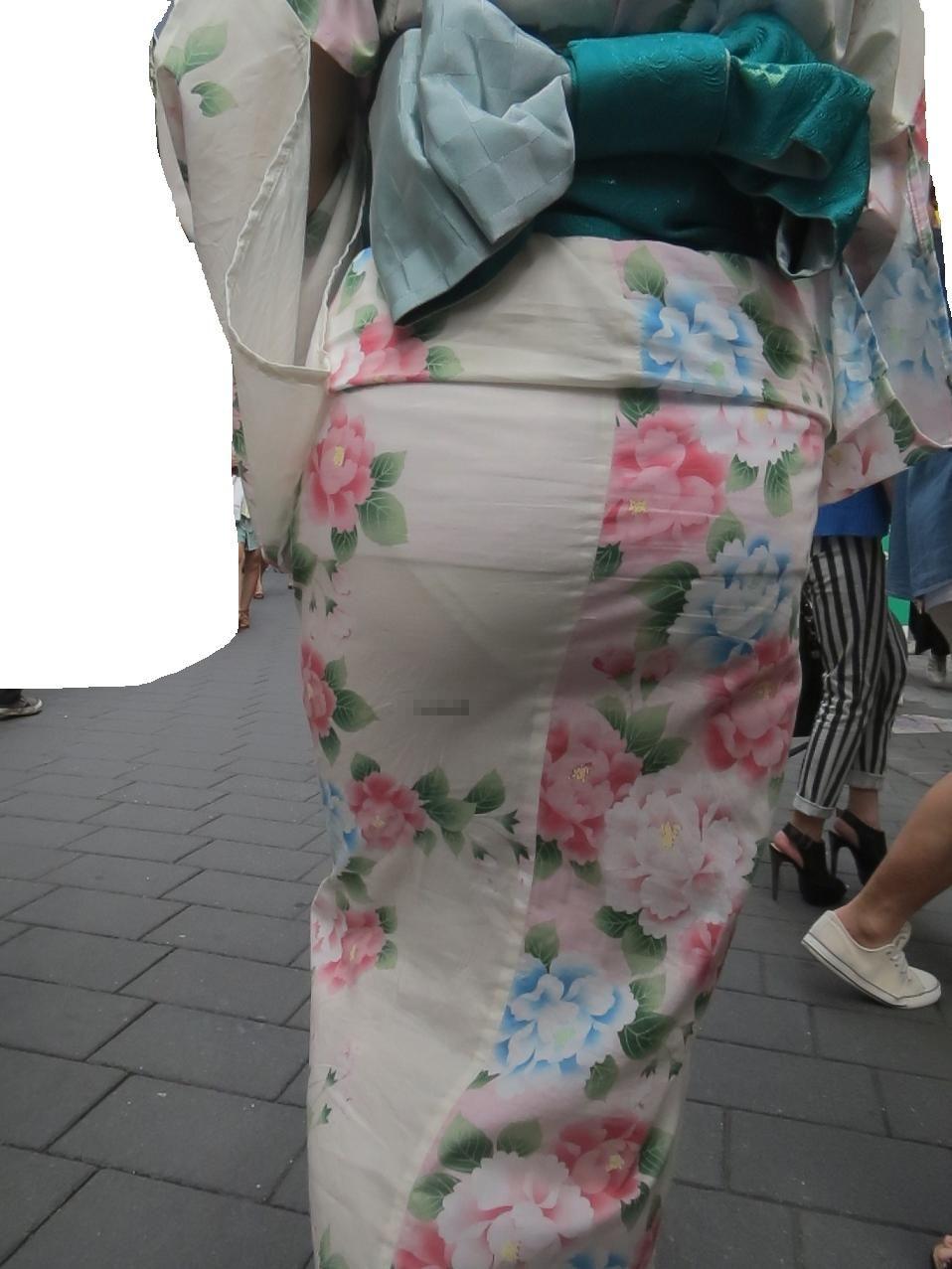 夏に堪能しまくりたい浴衣シロウト達の透けパンツ丸見え写真