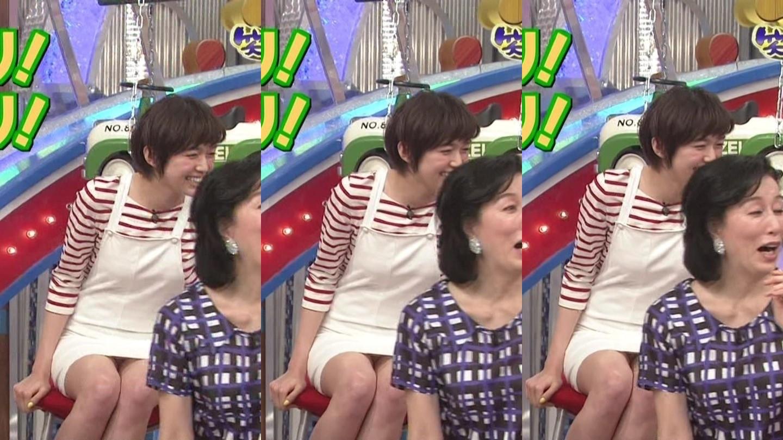 (パンツ丸見え写真)佐藤栞里のテレビに映ったパンツ丸見えがえろい写真